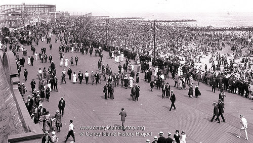 Boardwalk scene, 1925. Photo: Coney Island History Project Collection