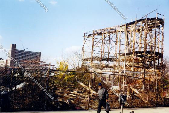 Roller Coaster Demolition : Thunderbolt demolition coney island history project